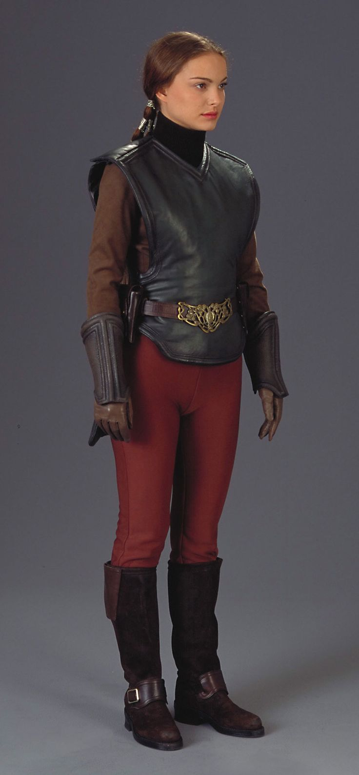 I want her boots....ok, and vest and belt, over skinny jeans and a big white collard shirt.  Padme, StarWars Episode II
