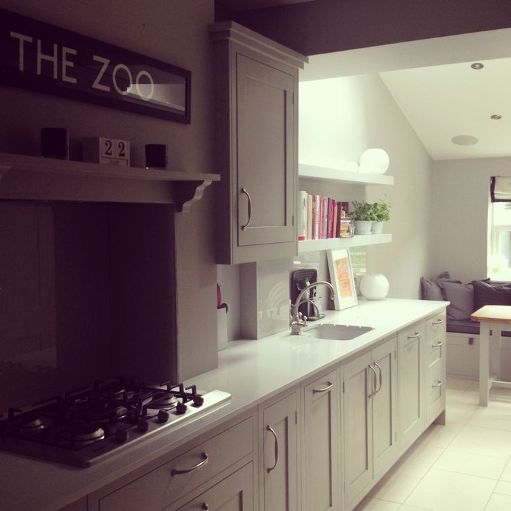 Best Modern Country Kitchen Flwoing Into An Adjoining 400 x 300