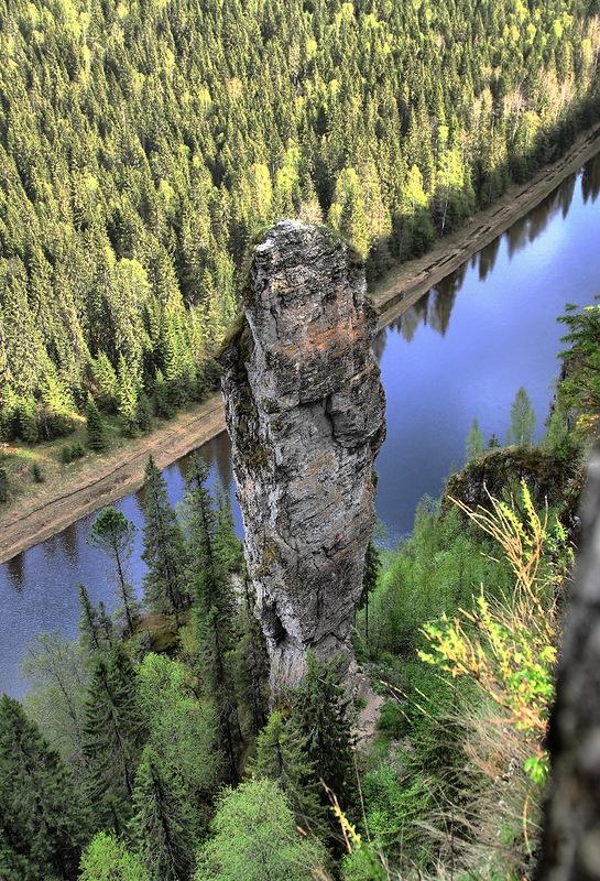 Devil's Thumb rock in Urals, Russia. Скала Чёртов Палец в массиве камня Усьвинские Столбы