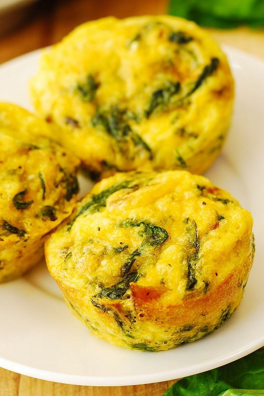 Breakfast Egg Muffins with Bacon and Spinach
