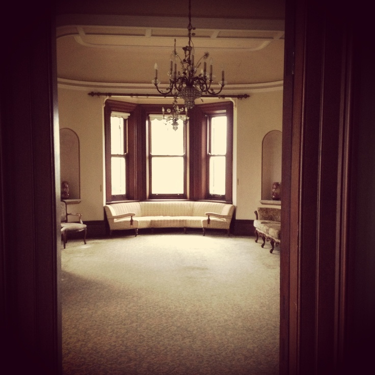 The drawing room in the homestead @GledswoodHomesteadandWinery