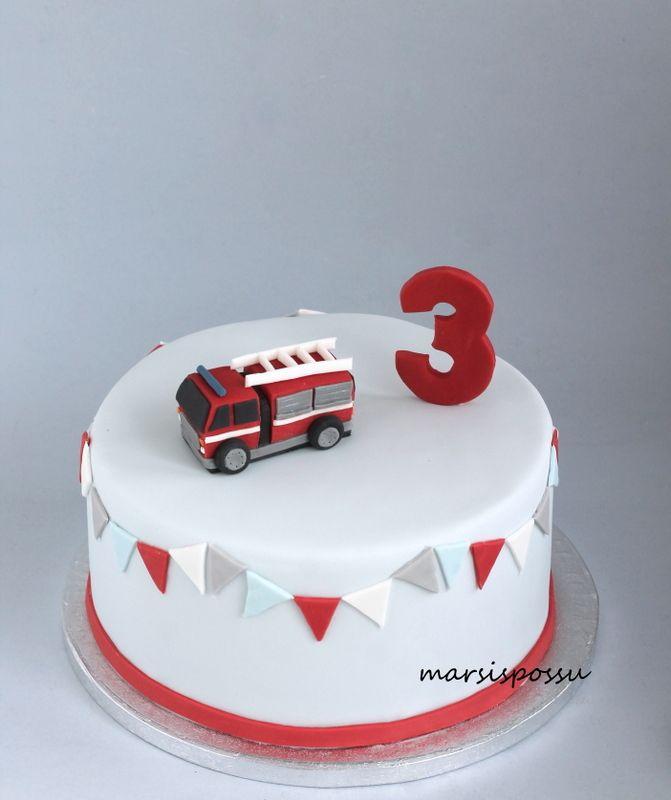 Marsispossu: Paloautokakku, Fire truck cake                                                                                                                                                     More