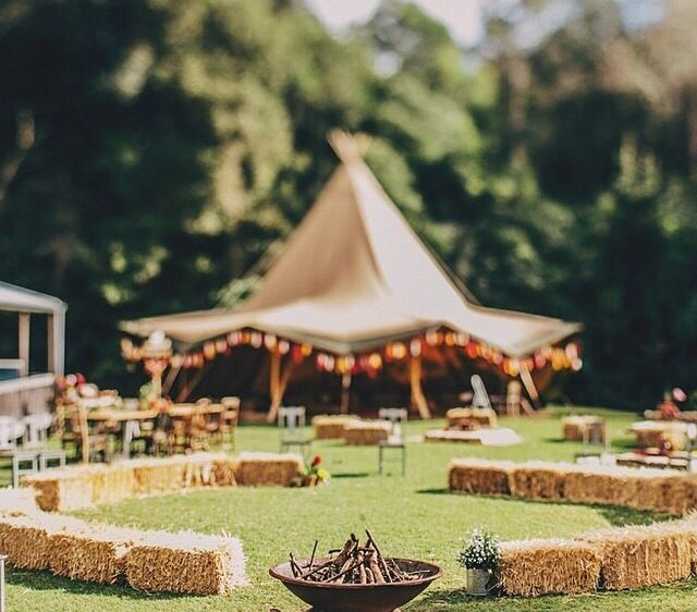Tipi Wedding!!! liking this circular layout.... and the sunny weather !!!!