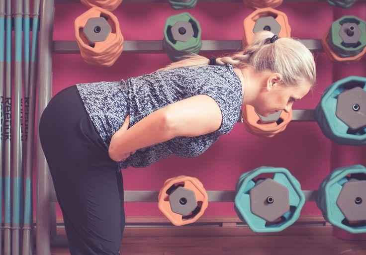 Kan jeg gi deg en deilig start på lørdagen med «Go morgen» – styrkeøvelsen for rumpe, bakside lår og korsrygg – kun med egen kropp? Les instruksjonen nå og prøv! Kjenn hvor deilig det er å starte dagen med å reise overkroppen opp og på plass – der den skal være hele dagen.Sett standarden for …