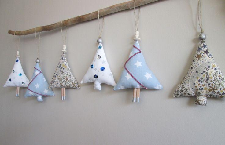 6 Sapins de Noël en tissu coloris bleu, blanc, beige : Accessoires de maison par maskott