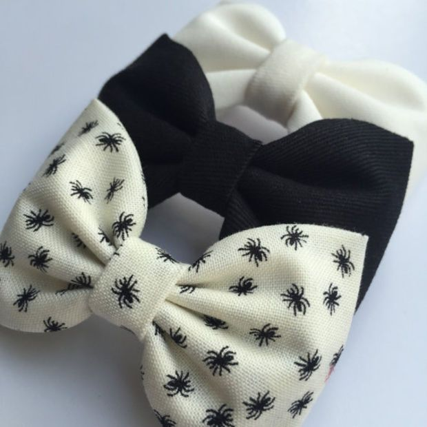 Cute little spider Halloween hair bow set from Seaside Sparrow Bows hair bows…