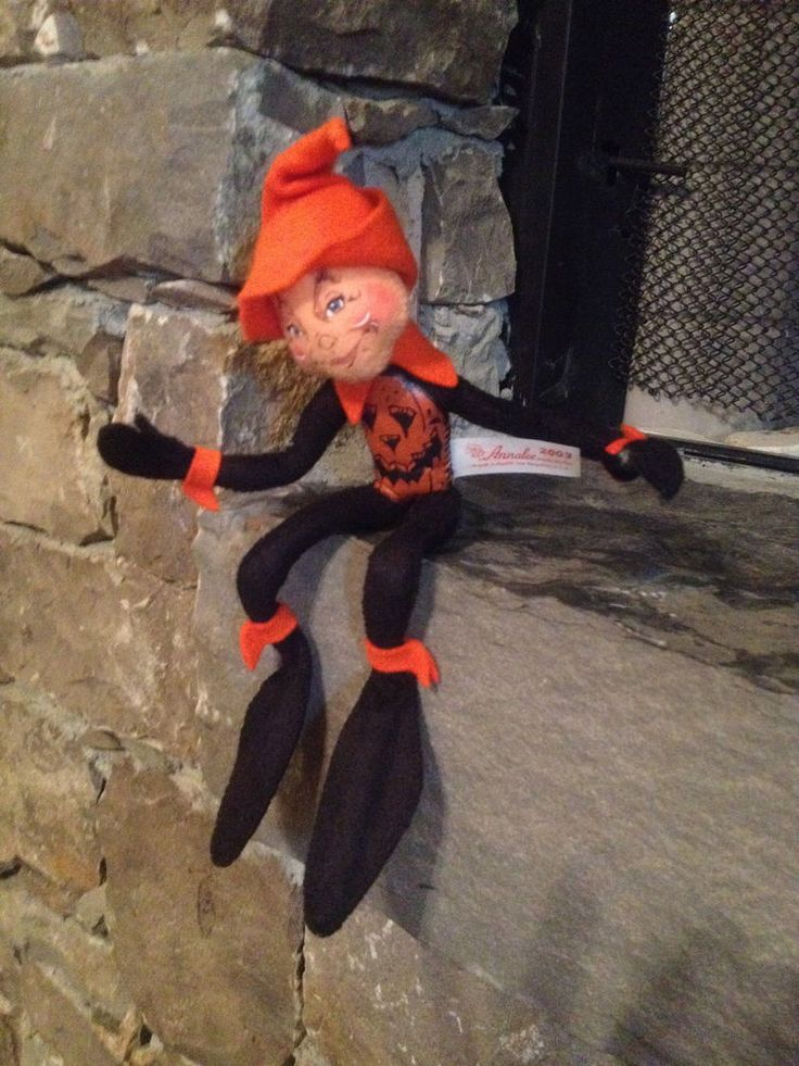 "Annalee 9"" Black Halloween Pumpkin Elf (2003)"