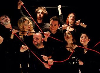 """To όνειρο και το θαύμα"" ταξιδεύουν θεατρικά μικρούς και μεγάλους με τα τραγούδια του Μίκη Θεοδωράκη στο Θέατρο της Ημέρας (από 2/4) | InfoKids"