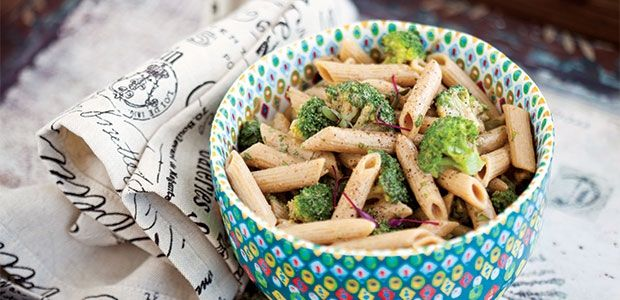 Coconutty Almond and Broccoli Pasta #MeatlessMonday