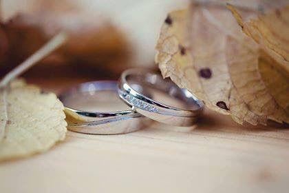 Dobrý den, posílám fotečky našich krásných snubních prstýnků. Díky moc za vše. S pozdravem, Magda Černá  MODEL 380/02: www.prsteny.cz/snubni-prsteny-model-c-380-02