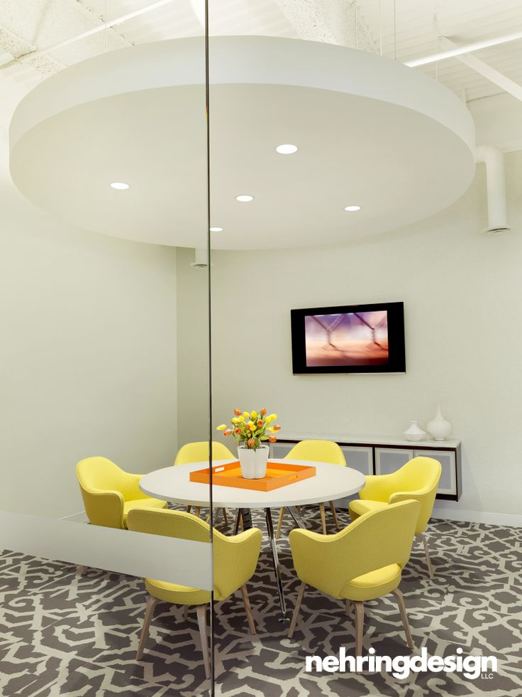 Conference room with knoll saarinen executive chairs for Office design 10x10