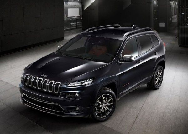 2014 Jeep Cherokee Urbane Front Exterior 600x429 2014 Jeep Cherokee Urbane Review Details