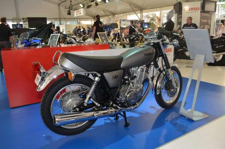Yamaha SR400 comes in kick start only  Read the story here: http://motorbikewriter.com/new-models-at-moto-expo/