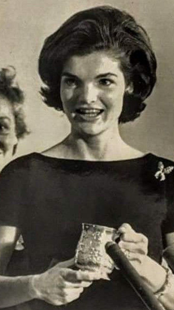 Pin By Anamika Mishra On Caroline Kennedy Jackie Kennedy Jacqueline Kennedy Caroline Kennedy