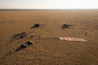 ソユーズTMA-12Mは今年の3月26日、ソユーズFGロケットに搭載され、バイコヌール宇宙基地の1/5発射台、通称「ガガーリン発射台」から打ち上げられた。予定では、約6時間後にISSとドッキングするはずだったが、スラスターに問題が発生し軌道変更に失敗、2日後の到着となった。ソユーズ宇宙船はもともと、ISSまで2日間かけて飛行をしていたが、昨年のソユーズTMA-08M以来、約6時間で到着する運用が行われており、この「特急便」での飛行に切り替えられて以来、2日かかる飛行プロファイルになったのはこの時が初めてであった。その後、3月28日、無事にISSのポーイスク・モジュールに入港した。