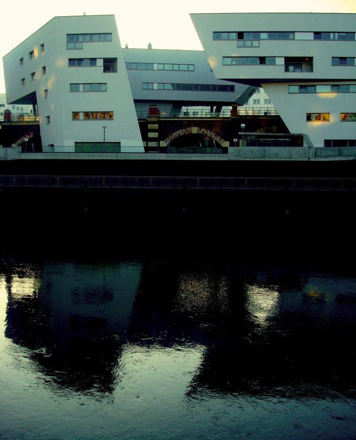 Zaha Hadid, Vienna, Donau