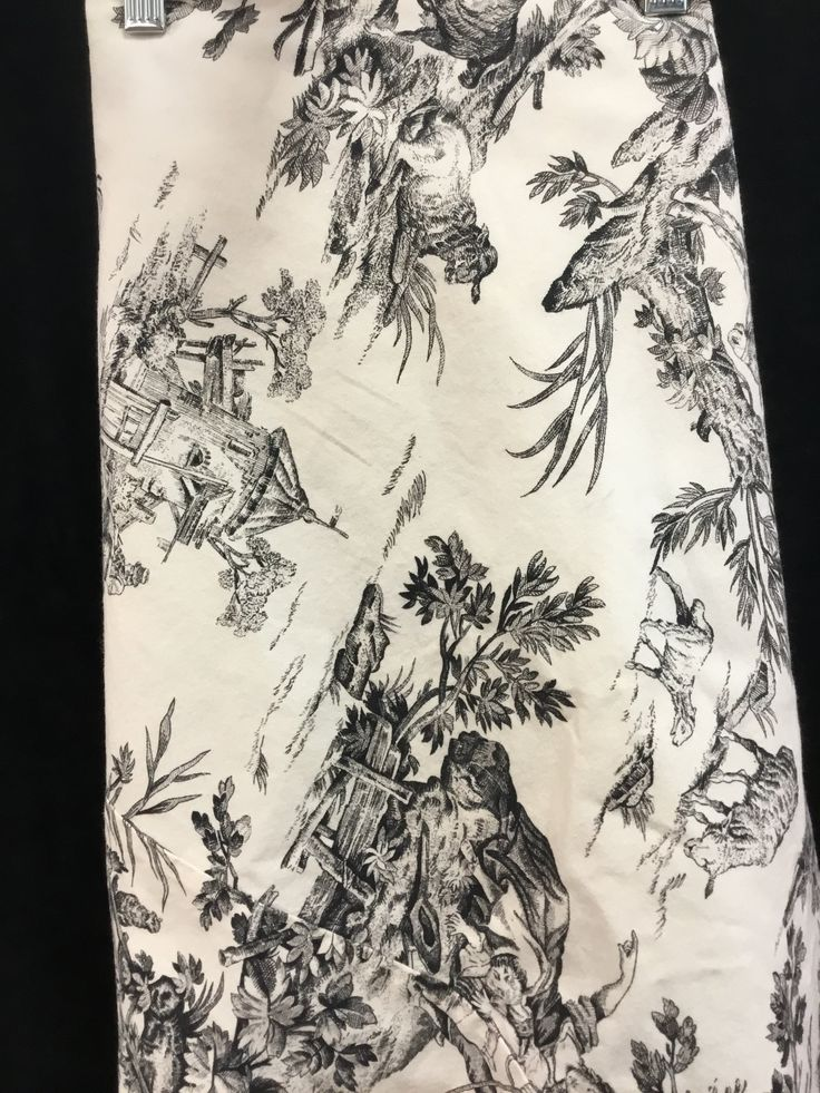 Black/Cream Tablecloth