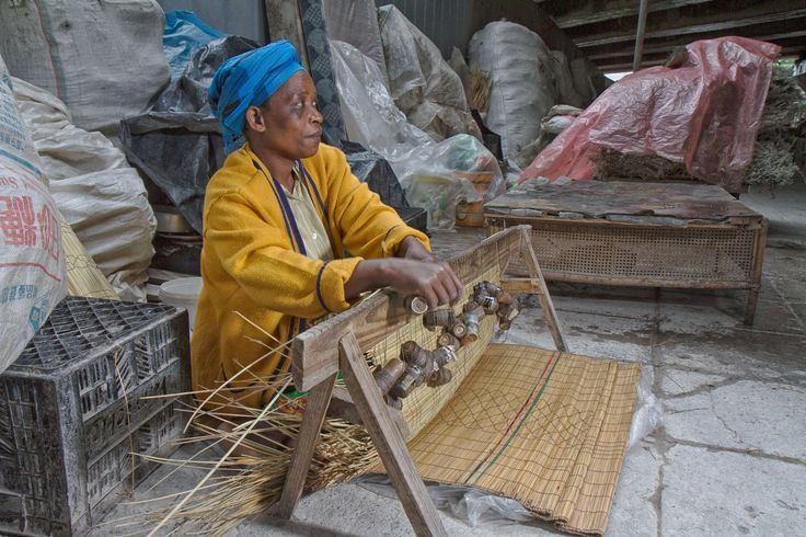 Zulu mat weaver