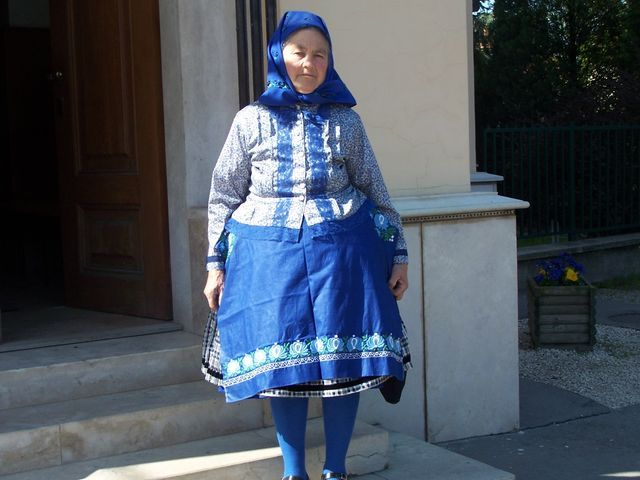 Csömöri costumes - Mamie, who had kept the national costumes of the day