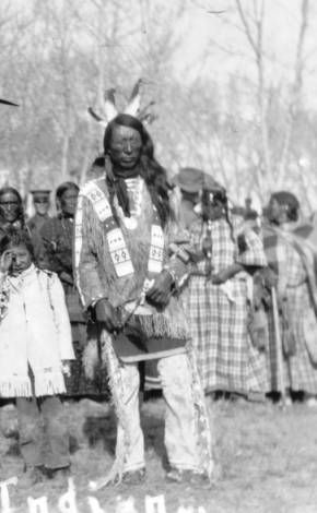 JACK RED CLOUD, SON OF CHIEF RED CLOUD & his wife, Pretty Owl.(Red Clouds Sioux Indians 1874)
