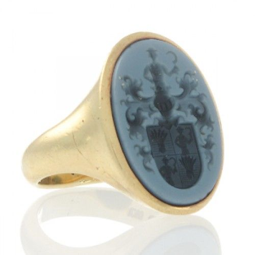 An 18ct gold banded agate signet ring with an intaglio of a coat of arms. #Rutherford #Melbourne