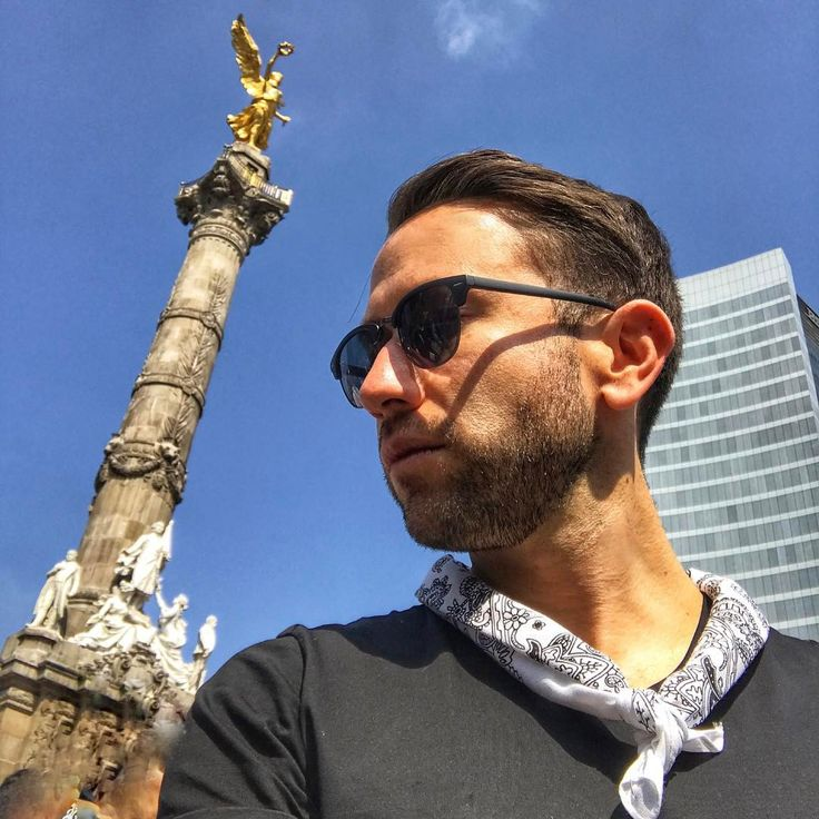 """138 mentions J'aime, 2 commentaires - Adrian Rodriguez (@adrocu) sur Instagram: """"#tiedtogether #menstyle #mbfwmx #style #streetstyle #menswear #masculinos #white #joy #sky…"""""""
