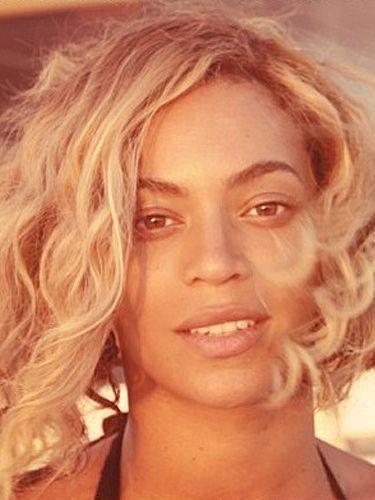 Beyonce snaps a makeup-free selfie I think women generally look better sans makeup.