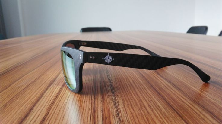 carbon-fiber-sunglasses