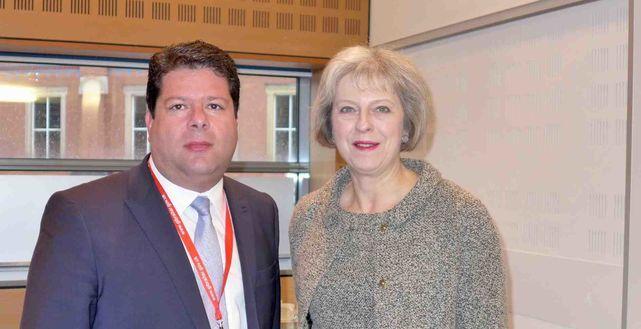 Reino Unido promete a Gibraltar que no le dejará solo ante España con el Brexit