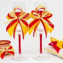 Свадебная коллекция аксессуаров Хохлома, атрибуты для свадьбы с традиционными хохломскими узорами в красно-желтом цвете #летняясвадьба #жених2016 #разноцветноесвадебноеплатье #приглашениянасвадьбу #мятнаясвадьба #галстукжениха #золотаясвадьба #бокалымолодоженов #будущийжених #свадьбы