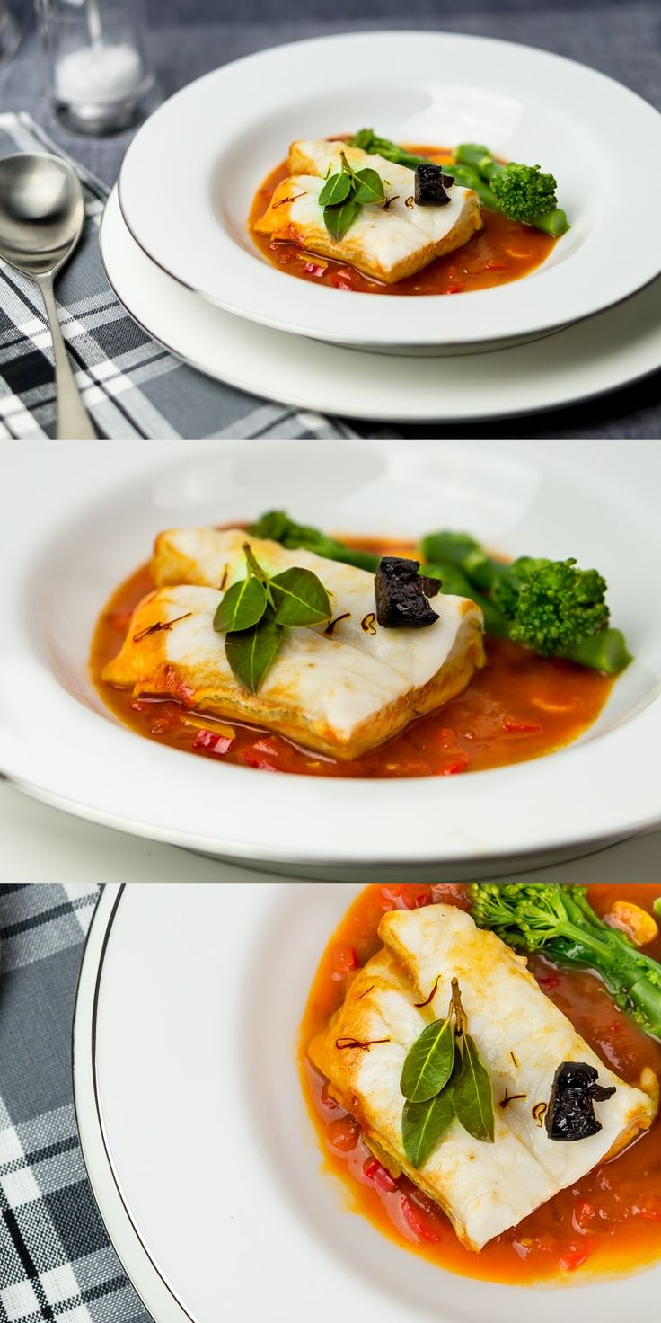 Cod loins in tomato sauce with romano pepper, dry white wine, garlic and a pinch of saffron. Really easy and quick to cook! #cod #saffron