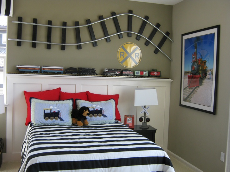 48 best images about boys train themed bedroom on pinterest train room table bases and rugby for Toddler train bedroom