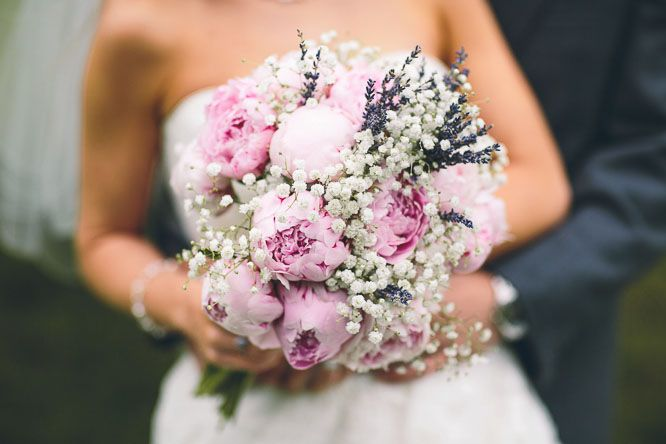 Brautstrauss, zusätzlich weiße/pinke David Austen