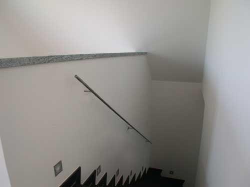 Treppenhandlauf aus Edelstahl Vollmaterial. Preis per lfm.