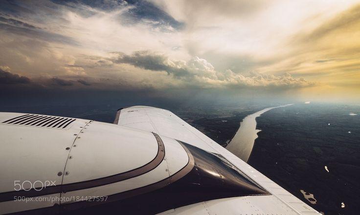 Popular on 500px : Flying the two-engine Piper Seneca V by Ivo_Sokolov