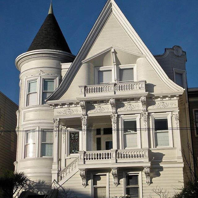 2 79 Acre Holladay Ut Estate Includes Recording Studio Bowling Lanes For 7 4 Million Photos Pricey Pads In 2020 Mansions Victorian Architecture Architecture