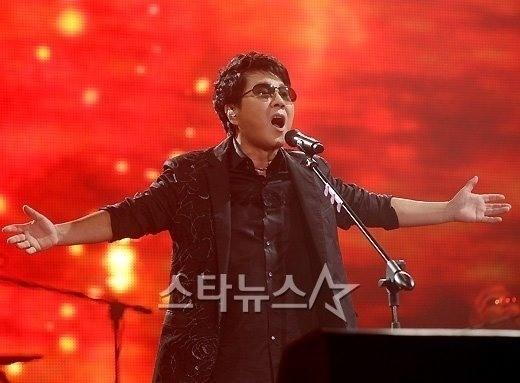 조용필 '헬로', 3시간만 韓9대 음원차트 1위 '올킬' : 네이버 뉴스