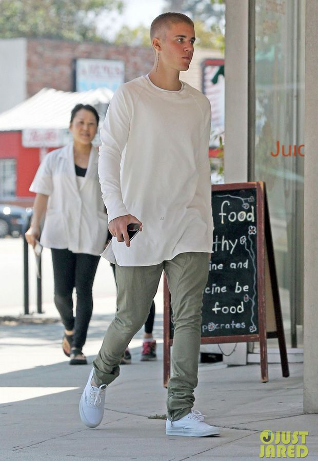 Justin Bieber In The Vans Authentic White White Celebs