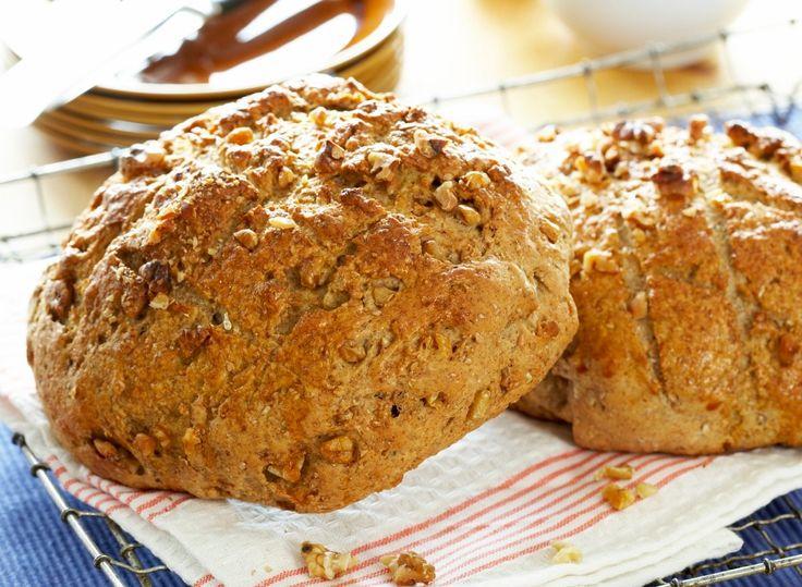 Dette er et halvgrovt brød med smak av valnøtter. Brødet smaker godt til det meste, og har god holdbarhet.