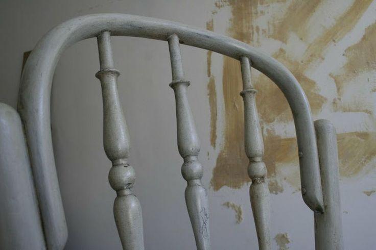 Aprende a envejecer muebles con betún de judea