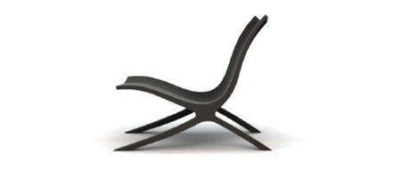 ROSA is een stoel van uitersten: sterk door het basismateriaal hout, curvy door haar constructie. De latten verspringen waardoor een aangename comfortabele welving ontstaat. Afgwerkt met transparante lak of in de dekkende kleuren lichtgrijs, wit, petrol, ebben of lichtblauw.