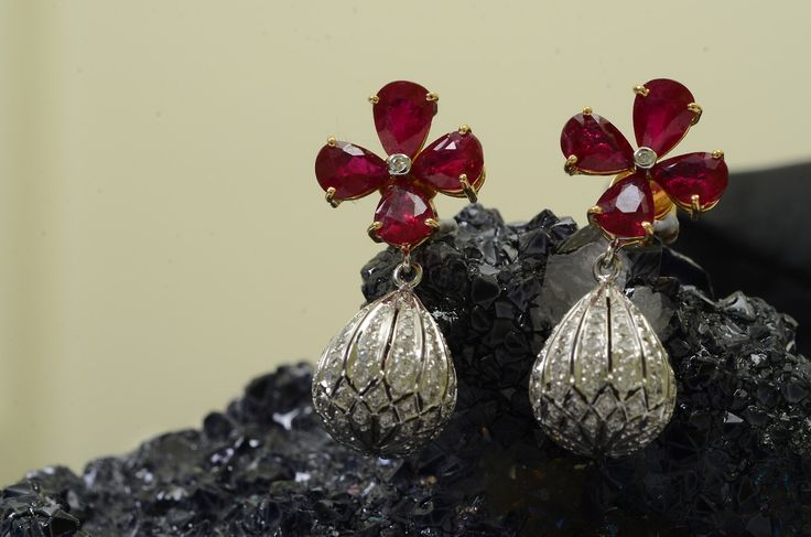 Ruby and Diamond set in 18kt white gold