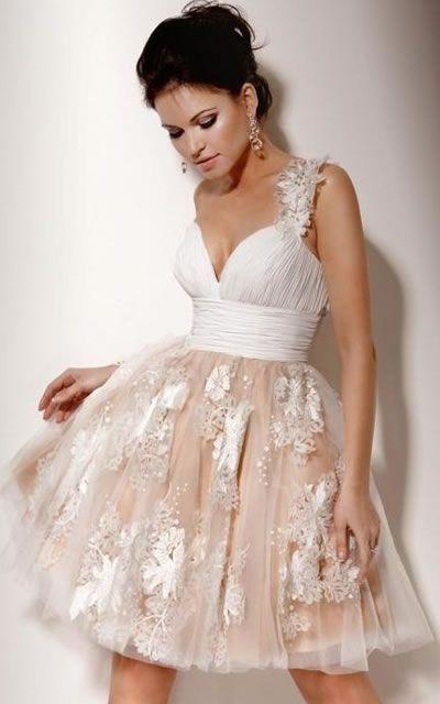 vestido de renda com tule modelo