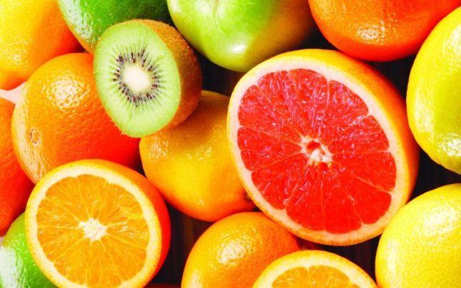 """""""Vaccinul"""" natural extrem de eficient împotriva răcelii. Reţeta simplă din fructe, usturoi şi miere care """"ucide"""" gripa"""