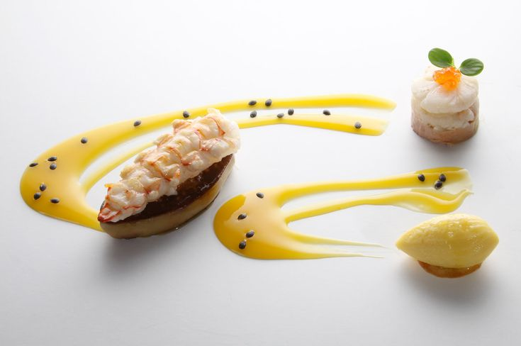 When contemporary cuisine meets the traditional Tuscan territory the result is a refined combination of flavors. Just a 1,5-hour drive from Le Ville di Trevinano (www.lvdi.it) you can enjoy the superior dishes of Michelin starred restaurant Arnolfo in Siena.