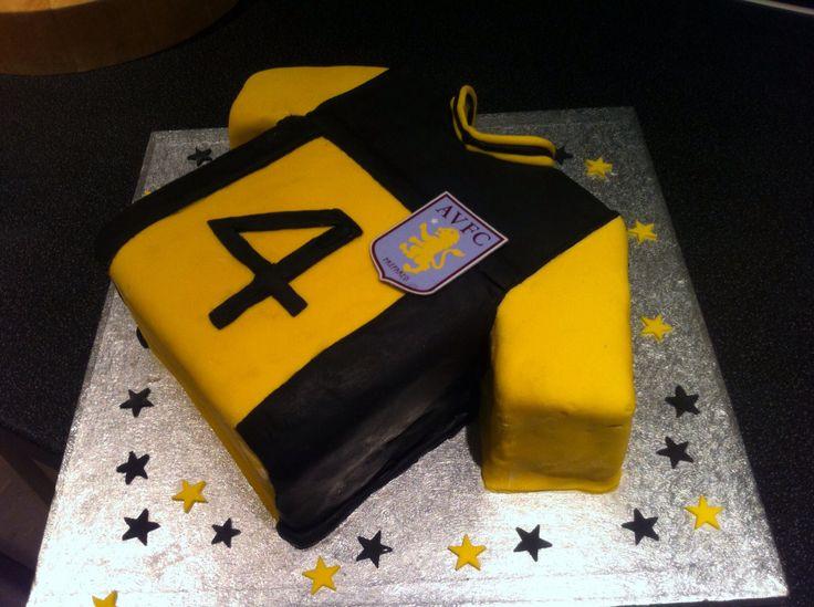 GUZAN Aston Villa's goalkeeper shirt. Football shirt cake. 4th birthday cake.