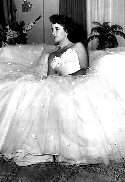Edith Head strikes again: the costume that spawned a million '50s prom dresses.