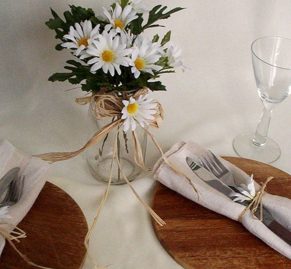 Rustic Wedding Ideas And Arrangements: 25+ Best Ideas About Daisy Wedding Centerpieces On