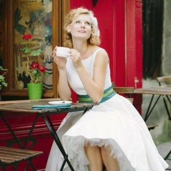 Short wedding gowns 2016 elegant 50s style Liza wedding dress skirt back cutout Grütel Emerald loop