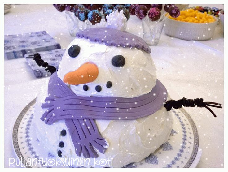 Lumiukkokakku - Snowman cake www.pullantuoksuinenkoti.com